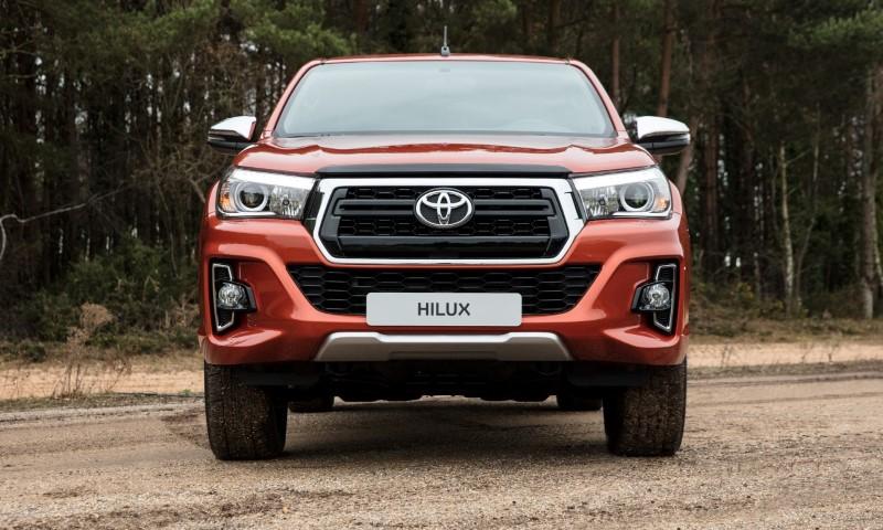 Toyota_Hilux_061217_RAW_123