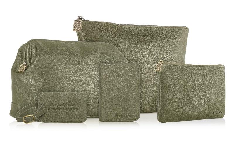Rituals.cz-kosmeticke tasky od 335 Kc, pouzdro na pas 270 Kc, stitek na kufr 195 Kc-OliveGreen