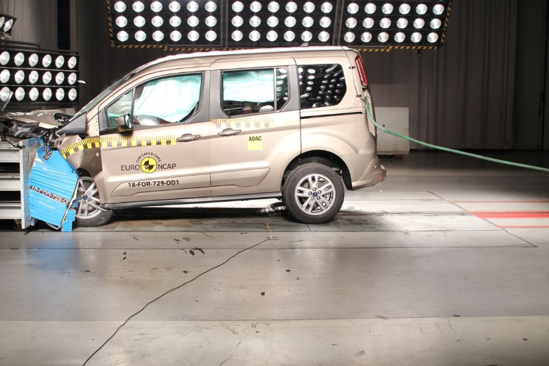 foto crashtest Ford Tourneo