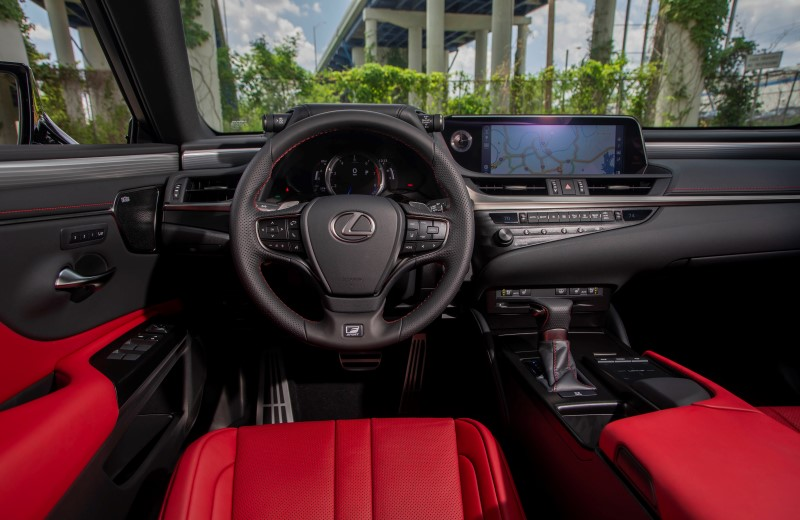 interior-lexuses350-flarered-hadori-fsport36