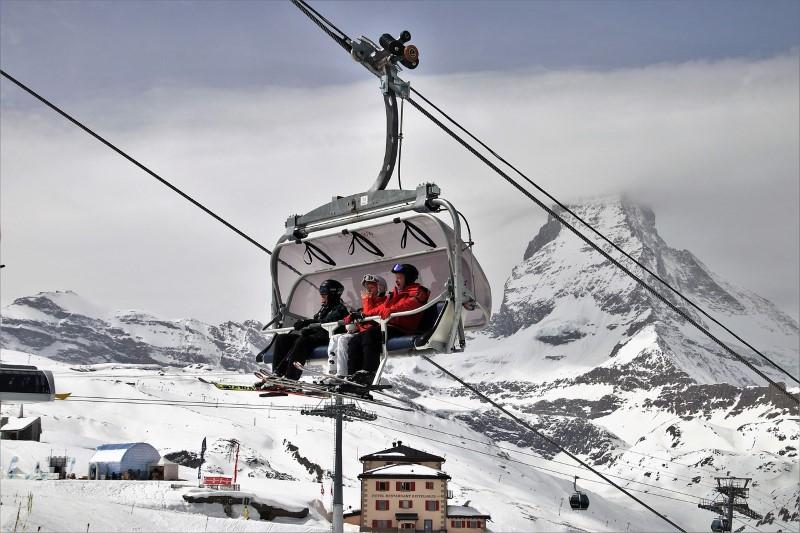 ski-3304481_1280