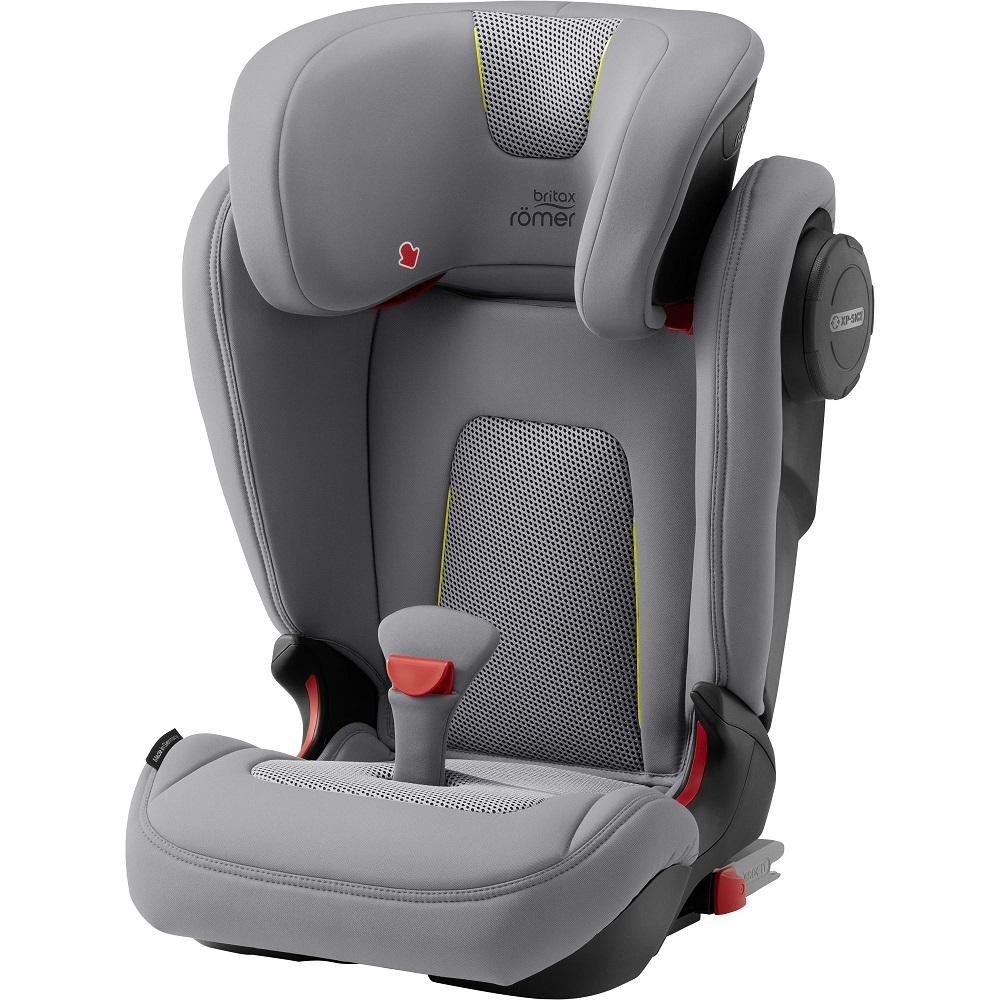 Autosedačka Kidfix III M zajistí větším dětem pohodlnou a bezpečnou jízdu.