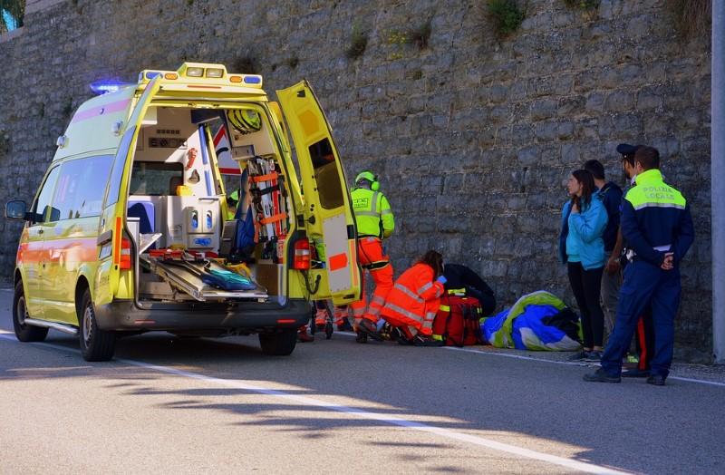 ambulance-2901017_960_720