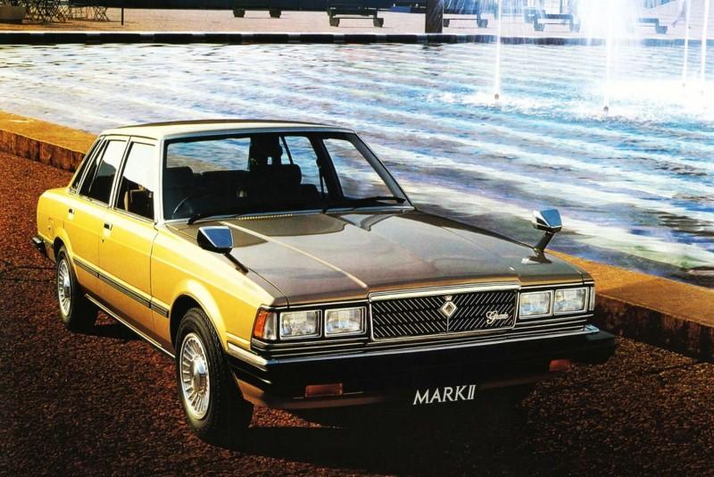 fot_2_toyota_mark_ii_pierwszy_w_swiecie_system_ostrzegania_kierowcy_za_pomoca_syntezatora_mowy_1980