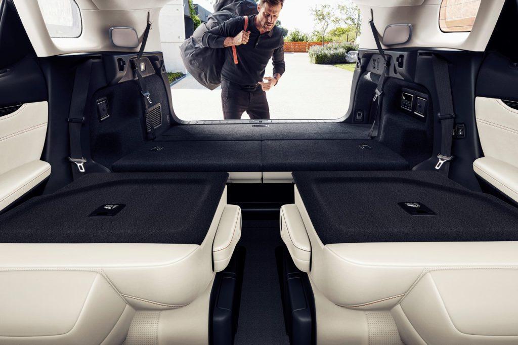 rx450hl-luxury-mc-23-final-72dpi-552025