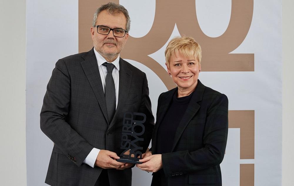 V pátek 15. listopadu předala Generální ředitelka Citroën, paní Linda Jackson, českému zastoupení značky speciální ocenění pro nejlepšího importéra Citroën za rok 2018 – Citroën Best Importer Award 2018.