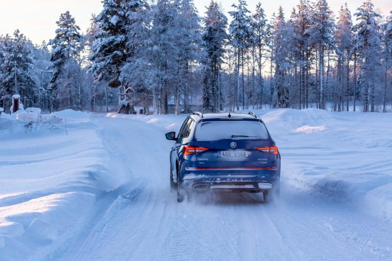 skoda-kodiaq-rs-nordkapp-ice-challenge-back-road-1920x1280