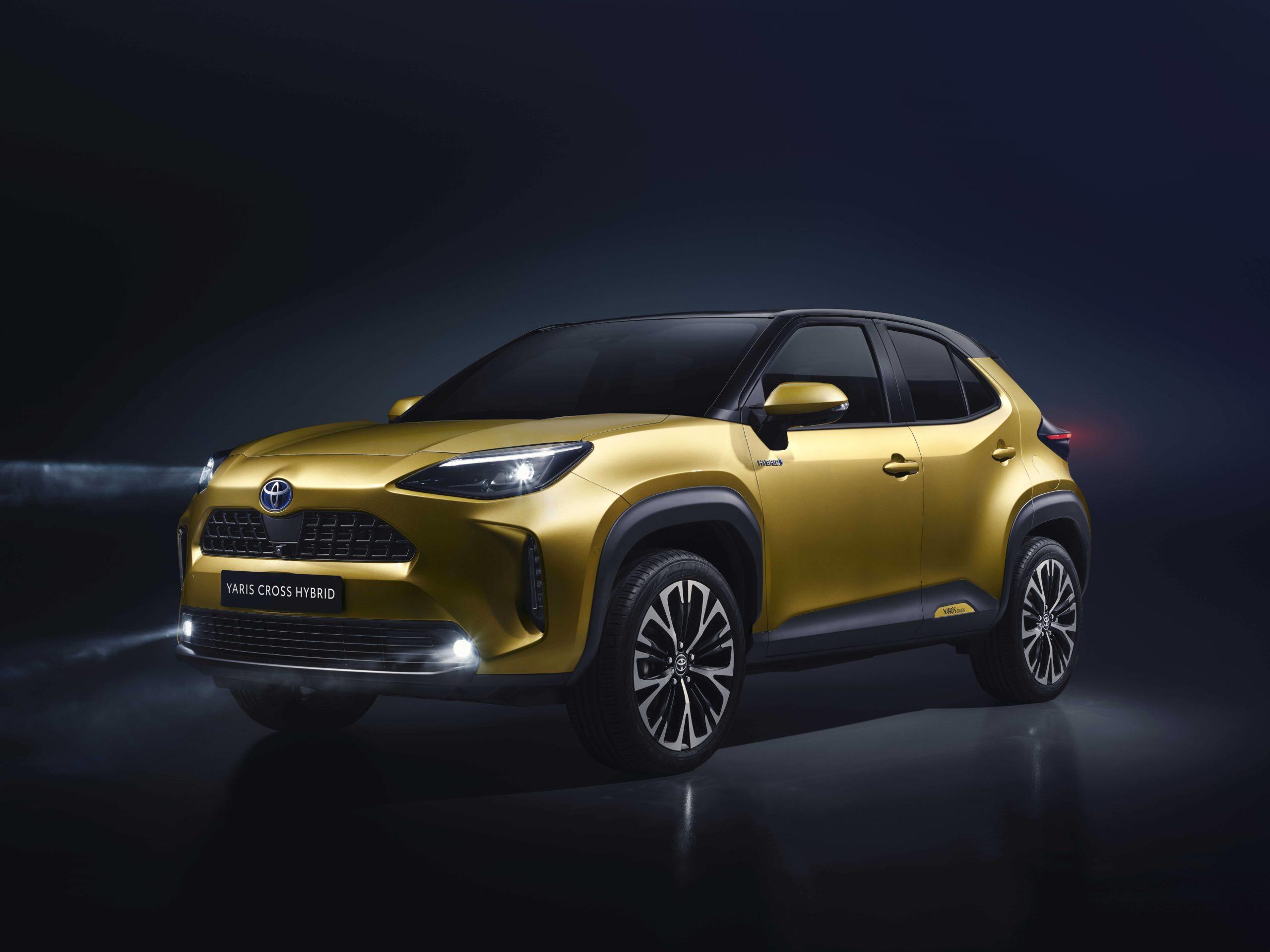 Toyota-Yaris-Cross-4-scaled