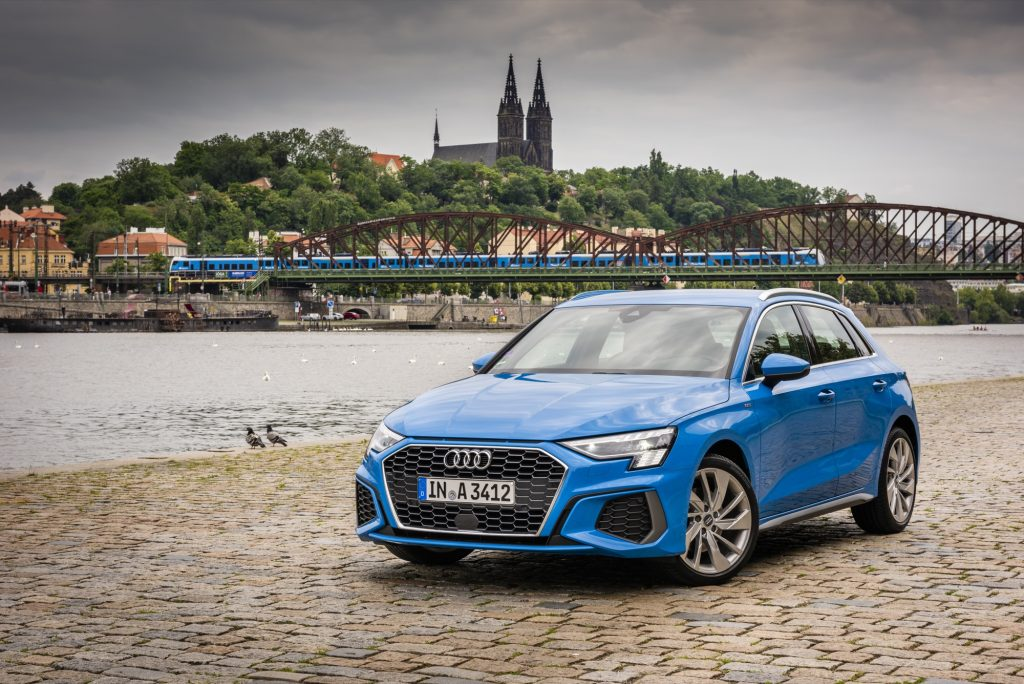 Audi_A3_Sportback_30_TDI_lowres_02