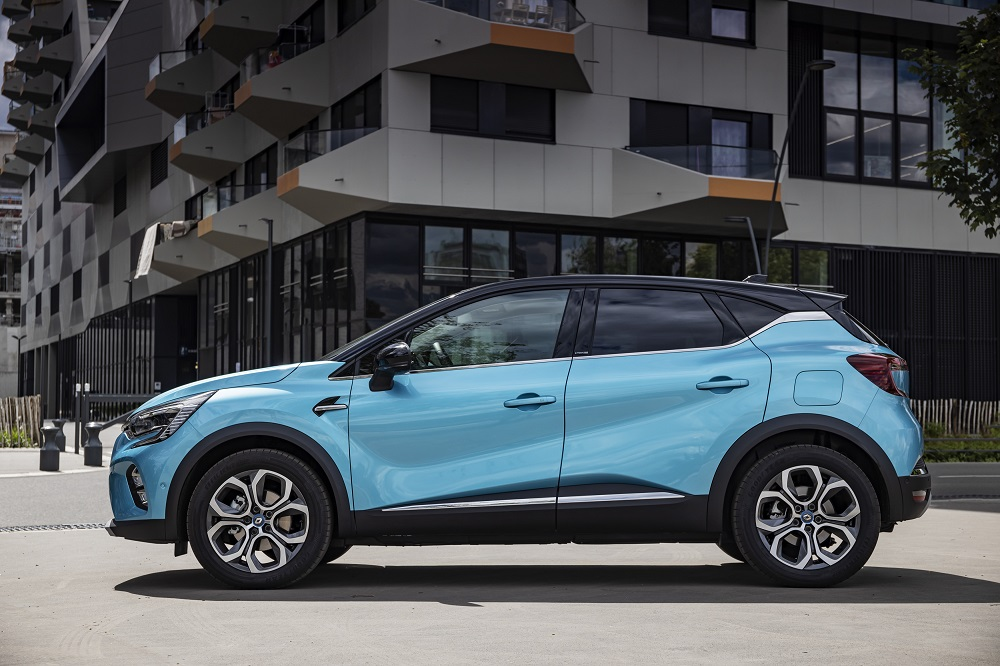 2020 - New Renault CAPTUR E-TECH Plug-in tests drive (24)