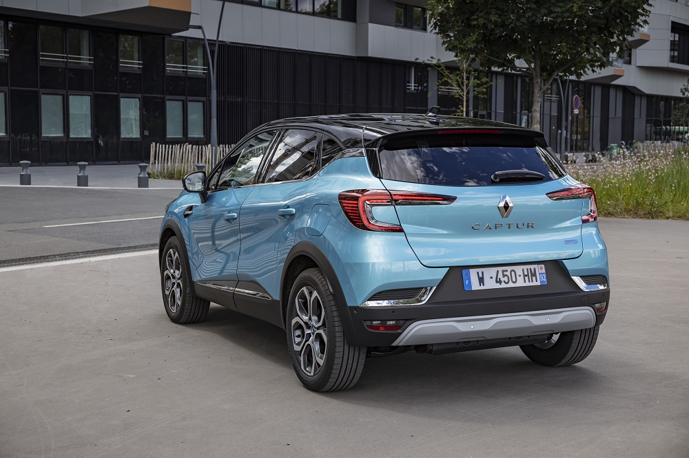 2020 - New Renault CAPTUR E-TECH Plug-in tests drive (28)