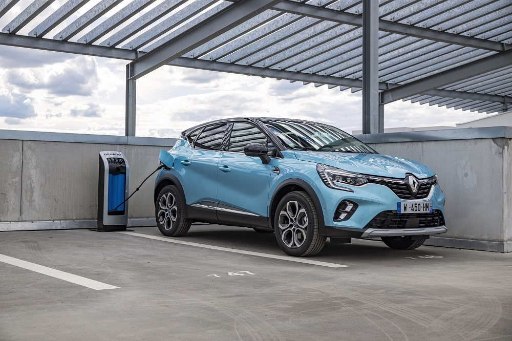 2020 - New Renault CAPTUR E-TECH Plug-in tests drive (30)