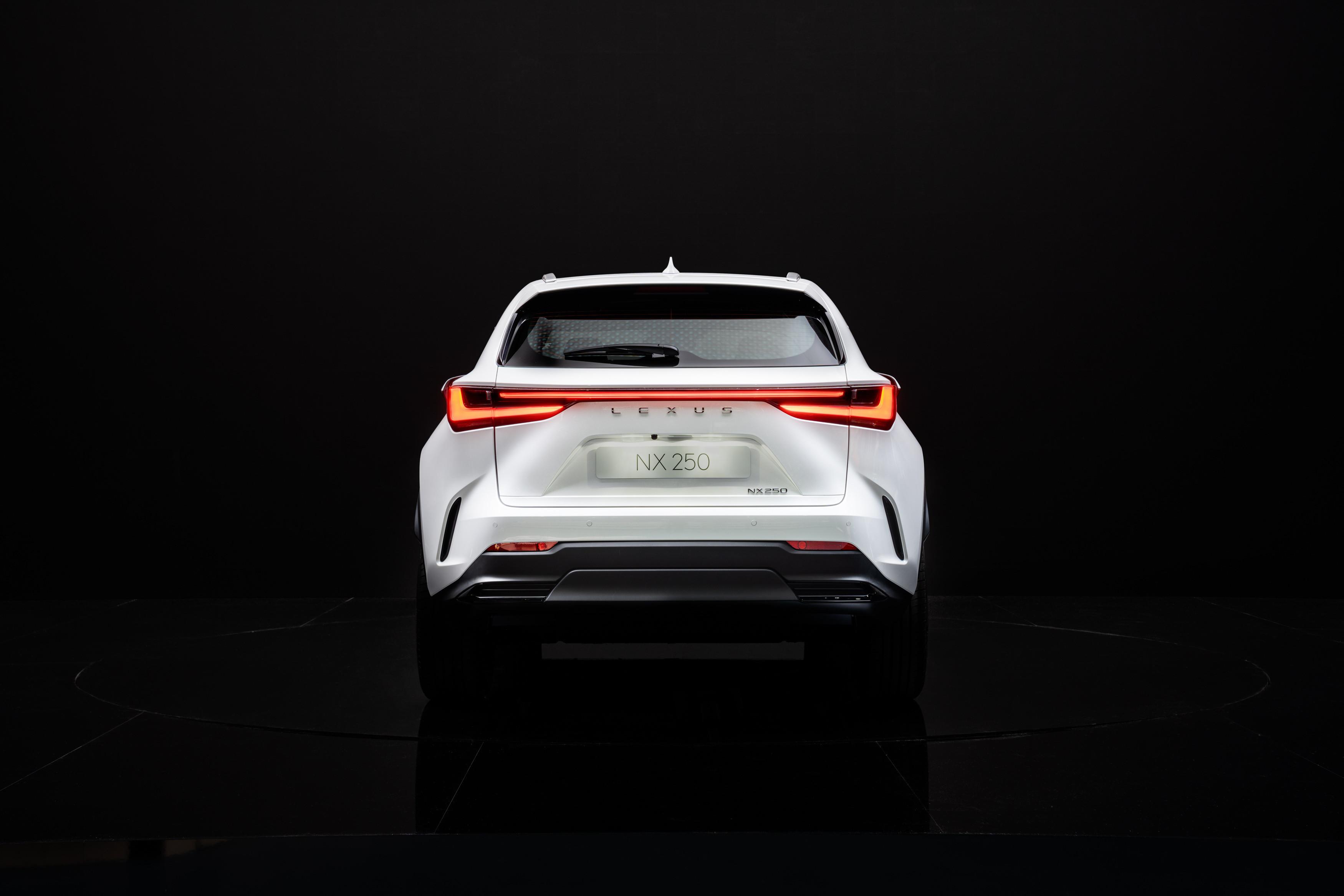 Lexus_NX_250_05