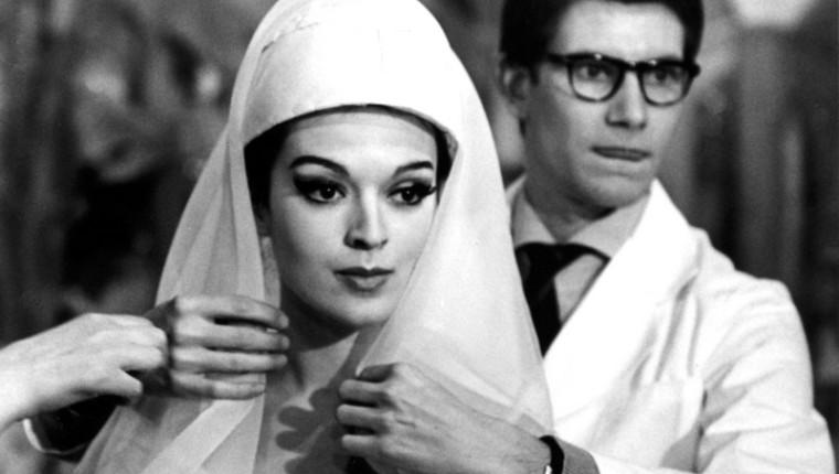Yves Saint Laurent - 1961/1962 - Préparation de la première collection sous son nom - essayage  PB  020162 /15-33