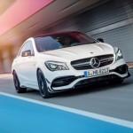 Mercedes-AMG CLA 45  Coupé (C117) 2016. Exterieur: diamantweiß, AMG Aerodynamic-Paket; Interieur: schwarz, Performance Sitze; Kraftstoffverbrauch (l/100 km) innerorts/außerorts/kombiniert:  9,2/5,6/6,9, CO2-Emissionen kombiniert: 162 g/km