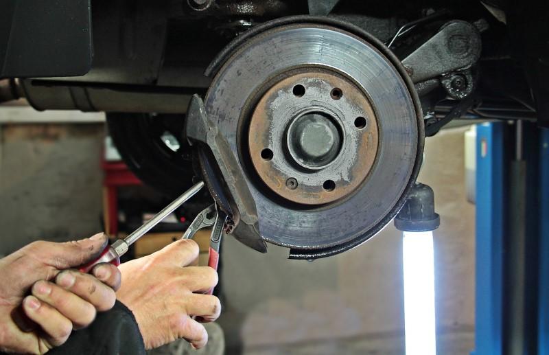 auto-repair-1954636_1280