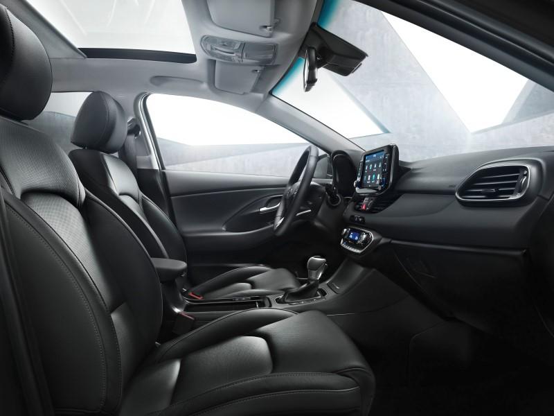 i30-wagon-interior-2