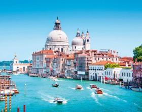 shutterstock_148773935_Canal Grande with Basilica di Santa Maria della Salute in Venice